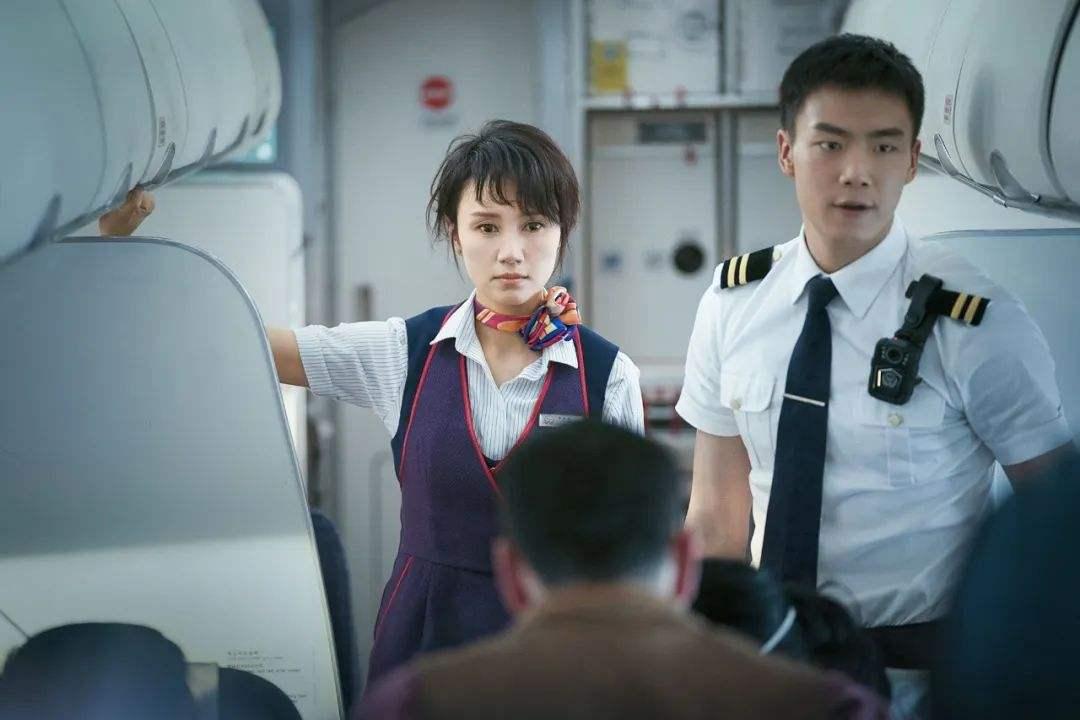 《中国机长》袁泉火了, 李沁火了, 张天爱火了, 最美的她却没火
