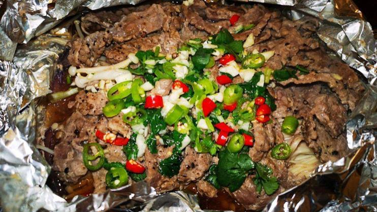 在家自制锡纸黑椒牛肉,只需两个步骤,鲜嫩入味免洗碗
