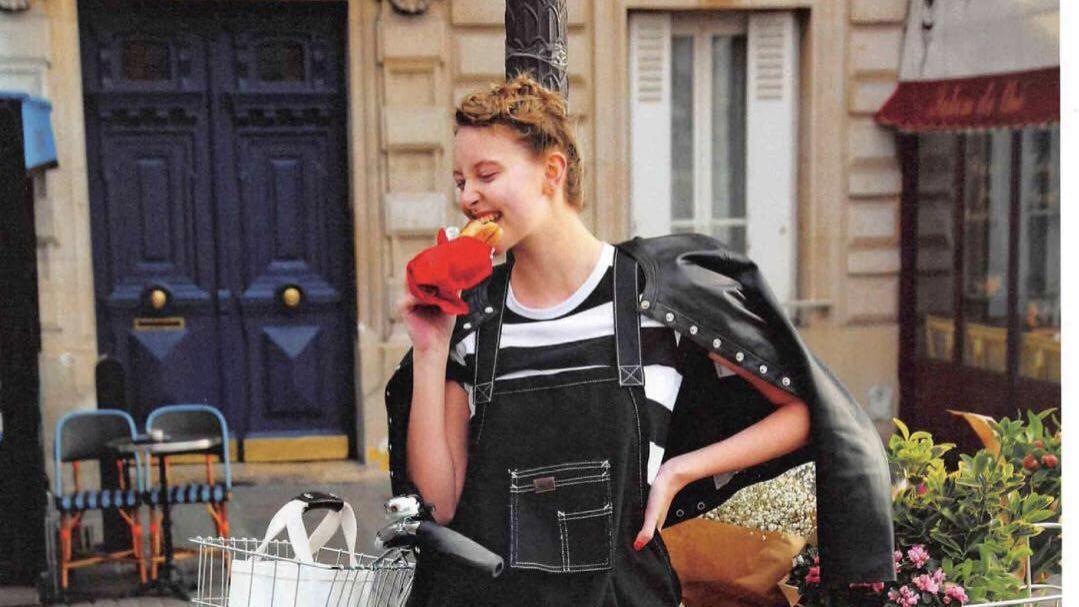 巴黎风穿搭无比浪漫,法式穿搭中的一种代表,优雅复古休闲