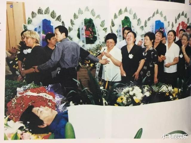 2000年赵丽蓉临终前,对巩汉林留下一句忠告,他自此再未上过春晚