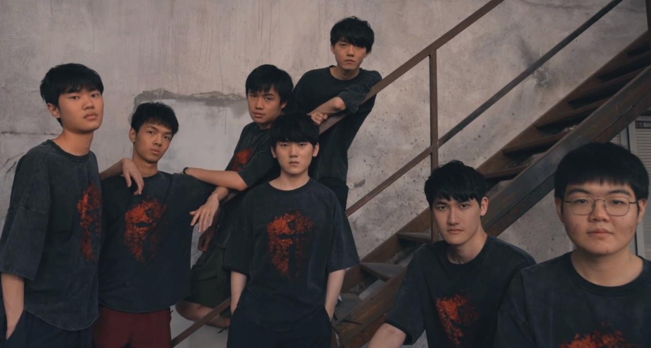 """武神坛_LPL""""冠军纪录片""""终于发布!只要有足够的时间,他们就能拿下冠军"""