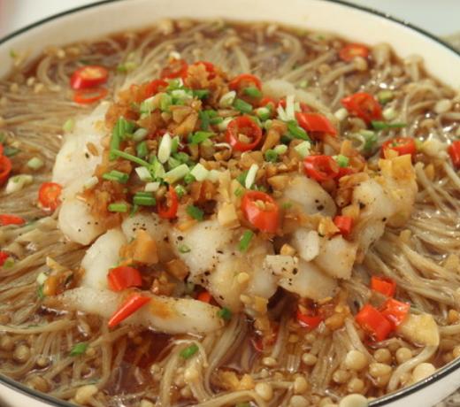 dnf2012新年套_龙利鱼金针菇粉丝汤的做法
