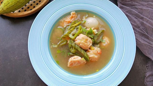 秋季女性滋补汤,用这种食材烹煮,清淡鲜美,美容还瘦身