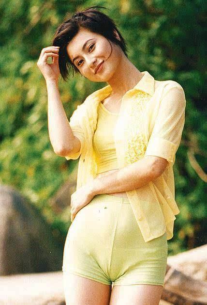 18年前,29岁陈宝莲纵身一跃,留下生父未知的婴儿今像极了黄任中插图6