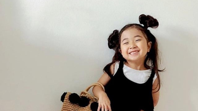 小小时尚博主的穿搭日常,网友:这也太甜了吧,又骗我生女儿!
