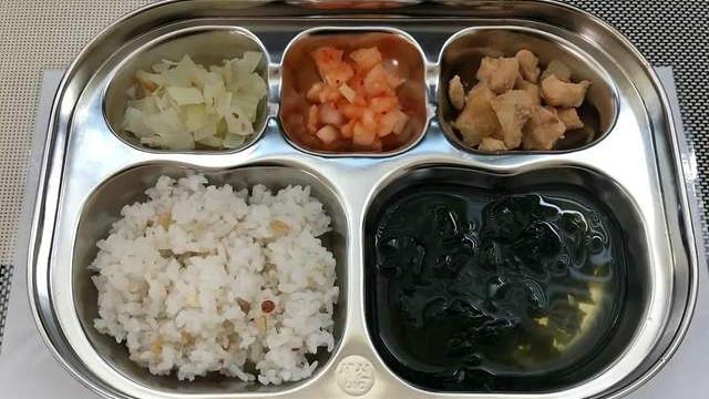 看完韩国幼儿园的伙食,再看看中国的,网友:没有对比就没有伤害