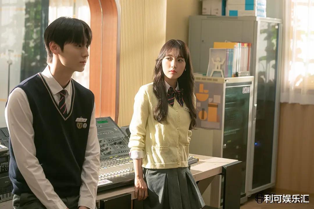 JTBC一蹶不振,播出中的韩剧全部创下1%收视率,这次又是爱豆背锅插图2