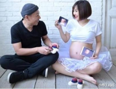 苍井空抱双胞胎补办婚礼,称宝宝像爸爸,评论区尽显人性的丑陋