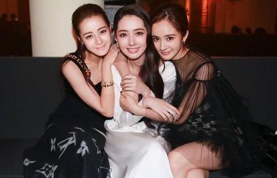 """热巴娱乐圈四位""""铁闺蜜"""",前三位大红大紫,唯独最美的她被遗忘"""