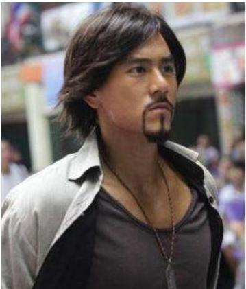 男明星留胡子堪比整容,王宝强帅到没边,肖战像换了一张脸