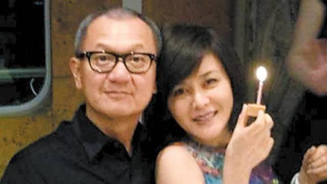 娱记曝关之琳结婚内幕,因吵架没领证,女方求复合未遂怪罪刘嘉玲