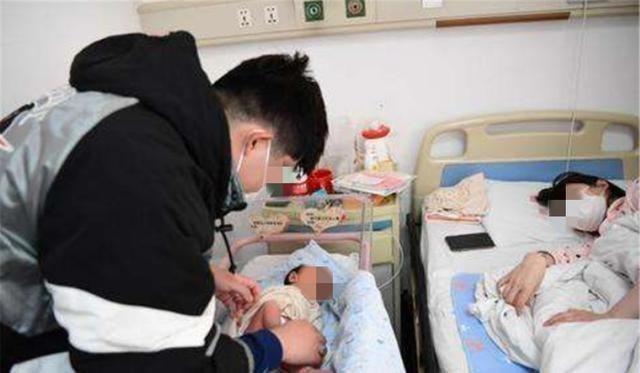 """罗晋照顾双胎宝宝,显得比妈妈还""""憔悴"""",网友:唐嫣嫁给了爱情"""