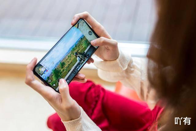 Find X2仅凭屏幕实力圈粉?120Hz+2K将引领2020年旗舰级手机市场