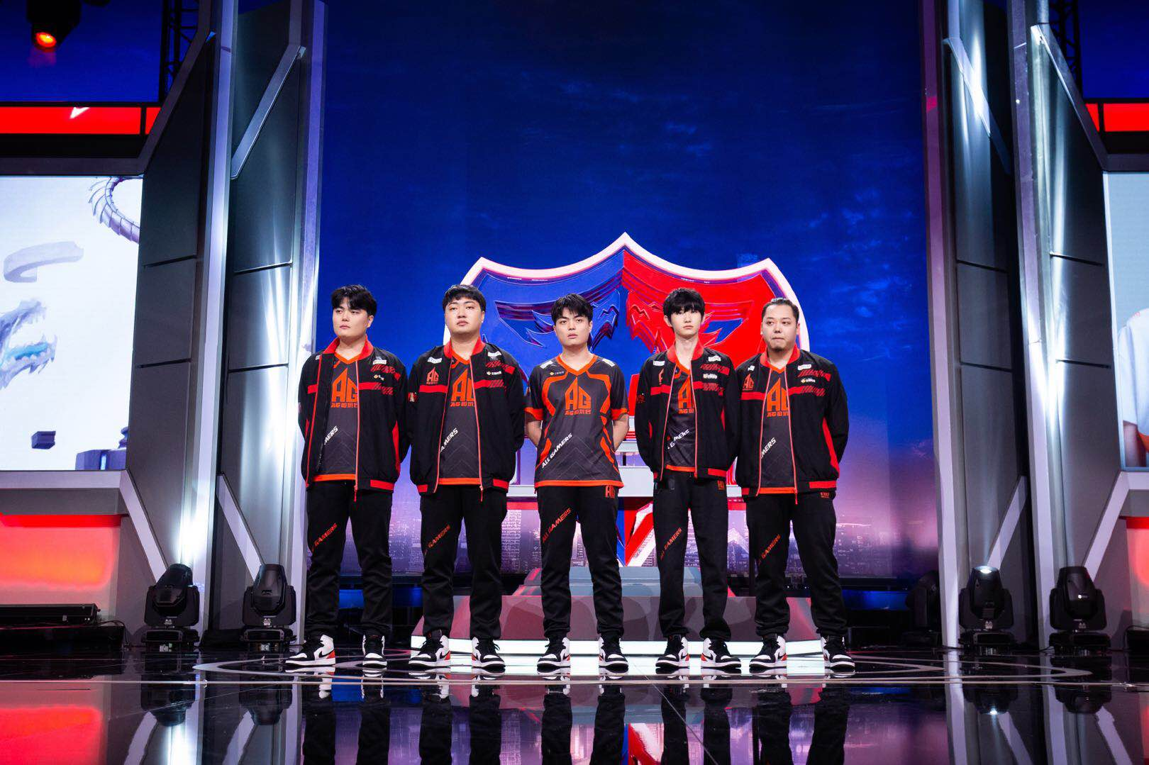 "3q中文网_KPL:AG自留选手啊泽比赛被""出局"",战坦双修还是得看六点六-第1张图片-游戏摸鱼怪"