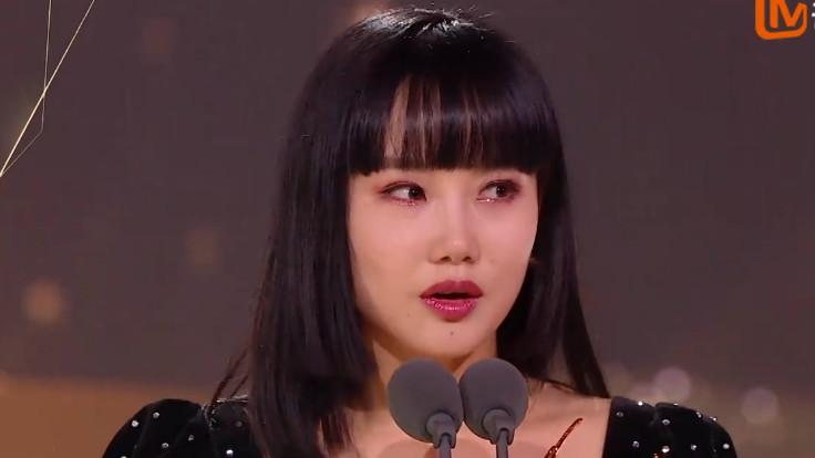 当揭晓黄龄成团时,看到李宇春的表情,似乎事情不简单呢