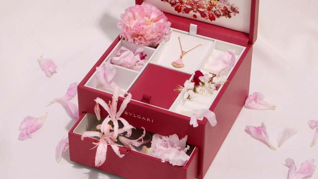 七夕节送点啥,包包首饰个个美貌,让我们一起看看奢侈品们今年都推出啥七夕限定