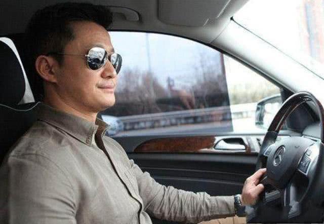 武打巨星,吴京开的车,王宝强开的车,张晋车的车,都不是一个等级的