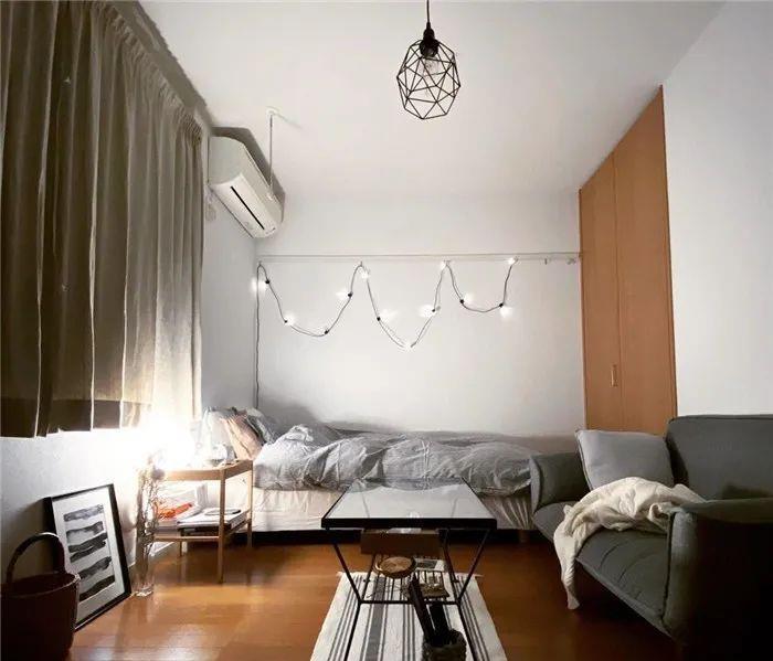 奇丽花_日本女生晒22平米单身公寓内部照,网友:这布置也太养眼了吧!