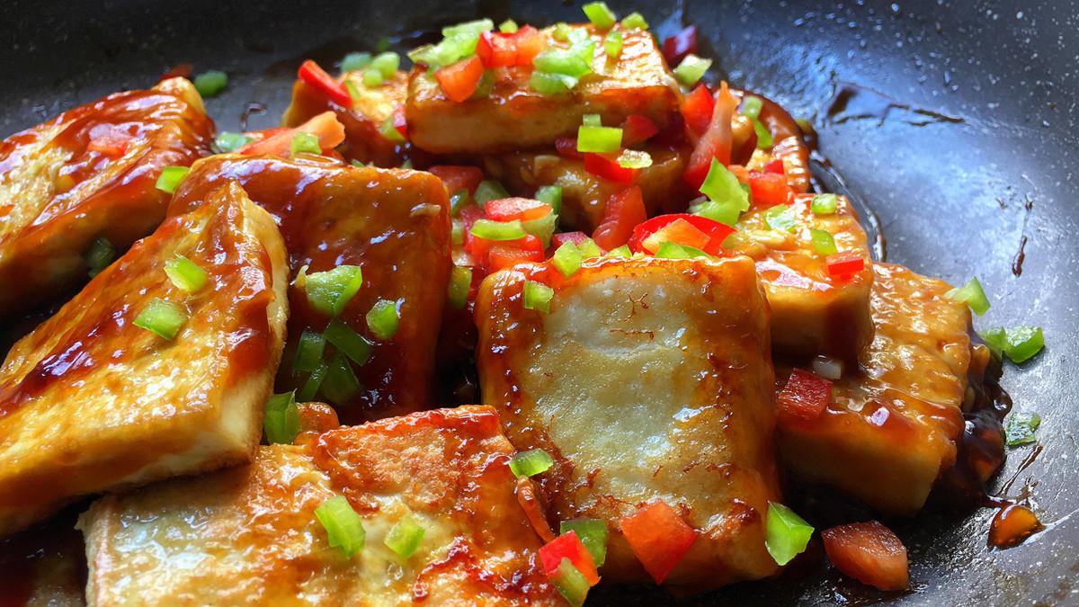 豆腐不要红烧了,加1个鸡蛋,不炖不红烧,一周吃5次都嫌少