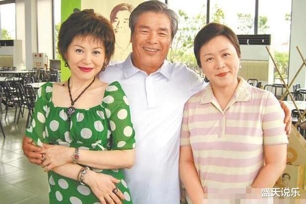 """72岁影帝再次宣布结婚,迎娶小20岁娇妻,这是他的第七任""""老婆""""了"""