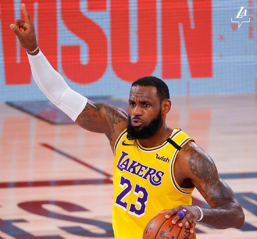 最热单机游戏_荒谬!NBA名记抨击詹姆斯:耐久性是运气,历史第一不需要这个