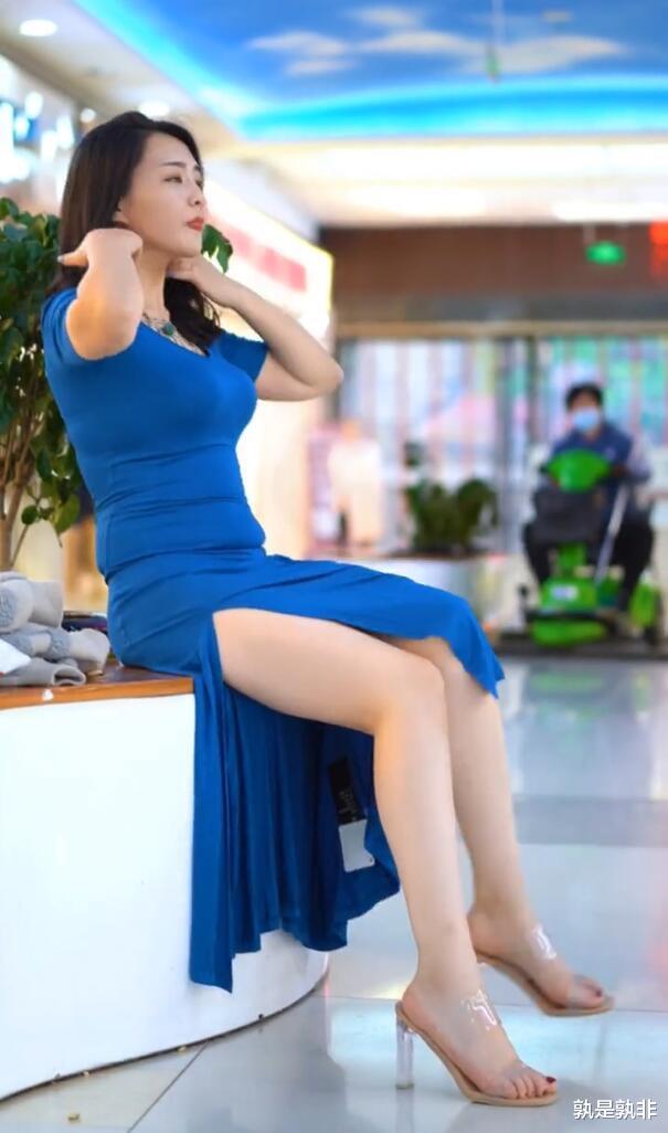 开叉裙适合微胖美女,塑造身体,诠释微胖才是最美的!插图4