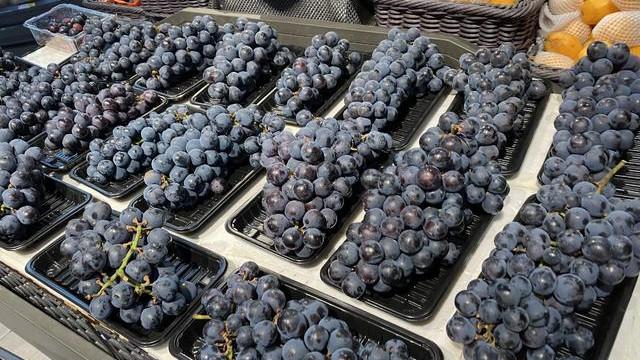买葡萄时,遇到这4种不要再买了,难吃不新鲜,以后要留意了