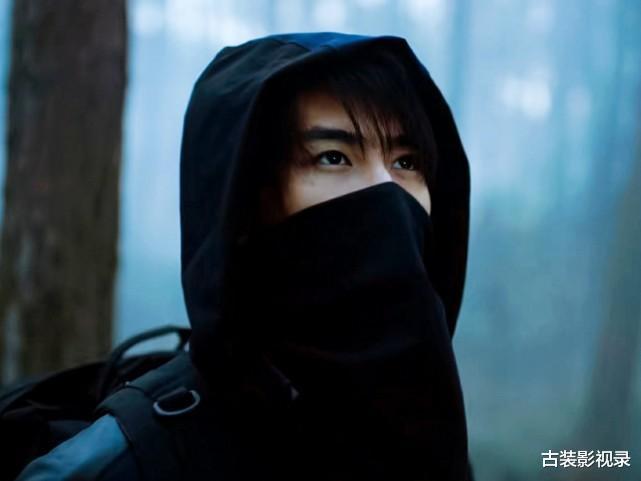 《盗墓笔记》吴二白被废,黑眼镜被困,解雨臣去了哪?
