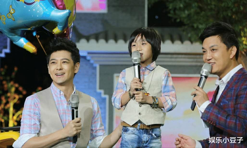 """林志颖的""""小小志""""露面了!4岁时的萌娃,11岁的帅哥"""