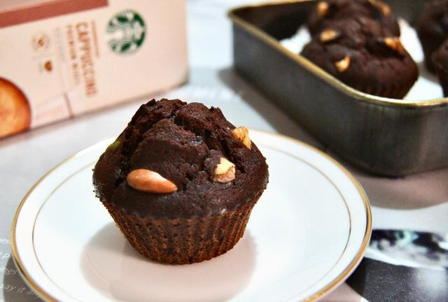 零难度的咖啡布朗尼杯子蛋糕,松软浓郁,新手也能做,值得一试!