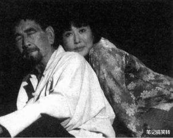 1993年,他带狗出演谢晋电影《老人与狗》,拍完后,人狗皆被枪毙