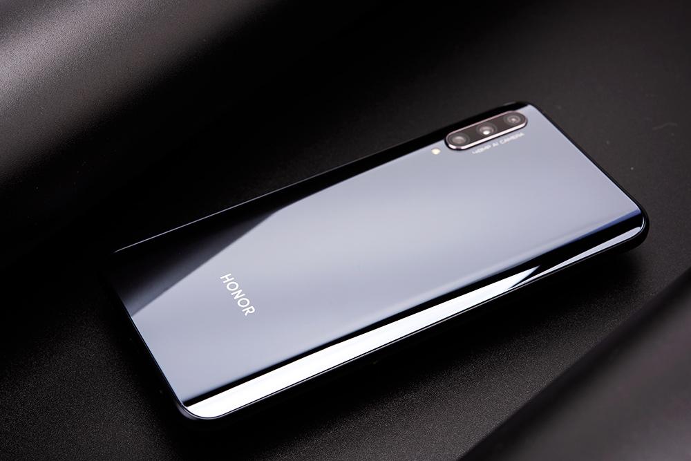 """想换""""高端""""华为手机?重点推荐这3款!价格实惠,颜值超高"""