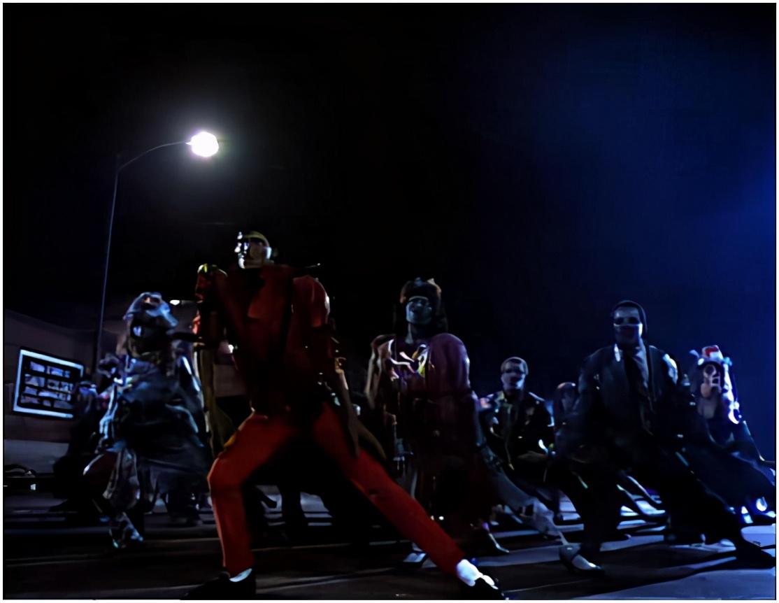 网易wow客服电话_迈克尔杰克逊的丧尸舞,这次居然是真的丧尸来经典还原!