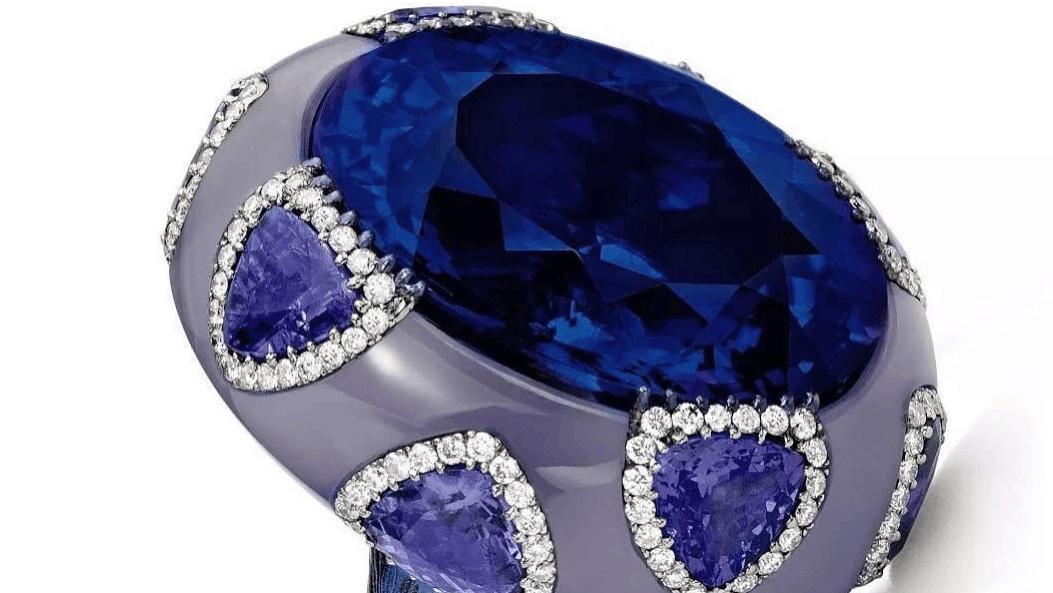 为什么人们都爱宝石戒指?因为独特有趣的设计,款款都是匠心打造