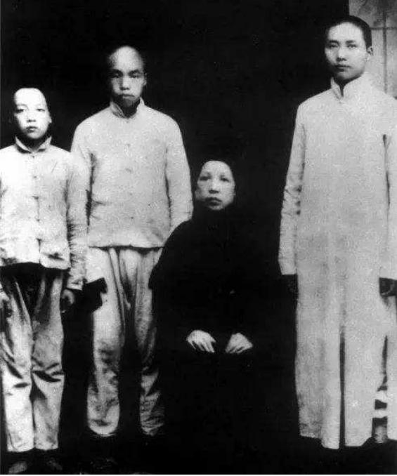 熔岩巨兽攻略_毛泽东胞弟毛泽覃,29岁掩护战友牺牲,其子为东风导弹开拓者