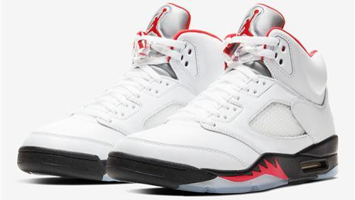 """2020年Air Jordan 5"""" Fire Red""""的官方图片曝光"""