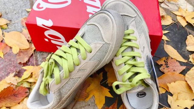 谁说回力不够潮?新款联名小脏鞋,鞋上碎钻堪比满天星!