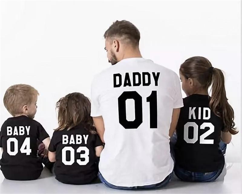 老公买回几条蚕,宝妈却动了离婚的念头:爸爸带娃这么难吗