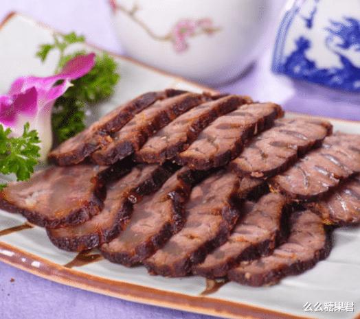 教你一个传统的做法,不放酱油做酱牛肉!