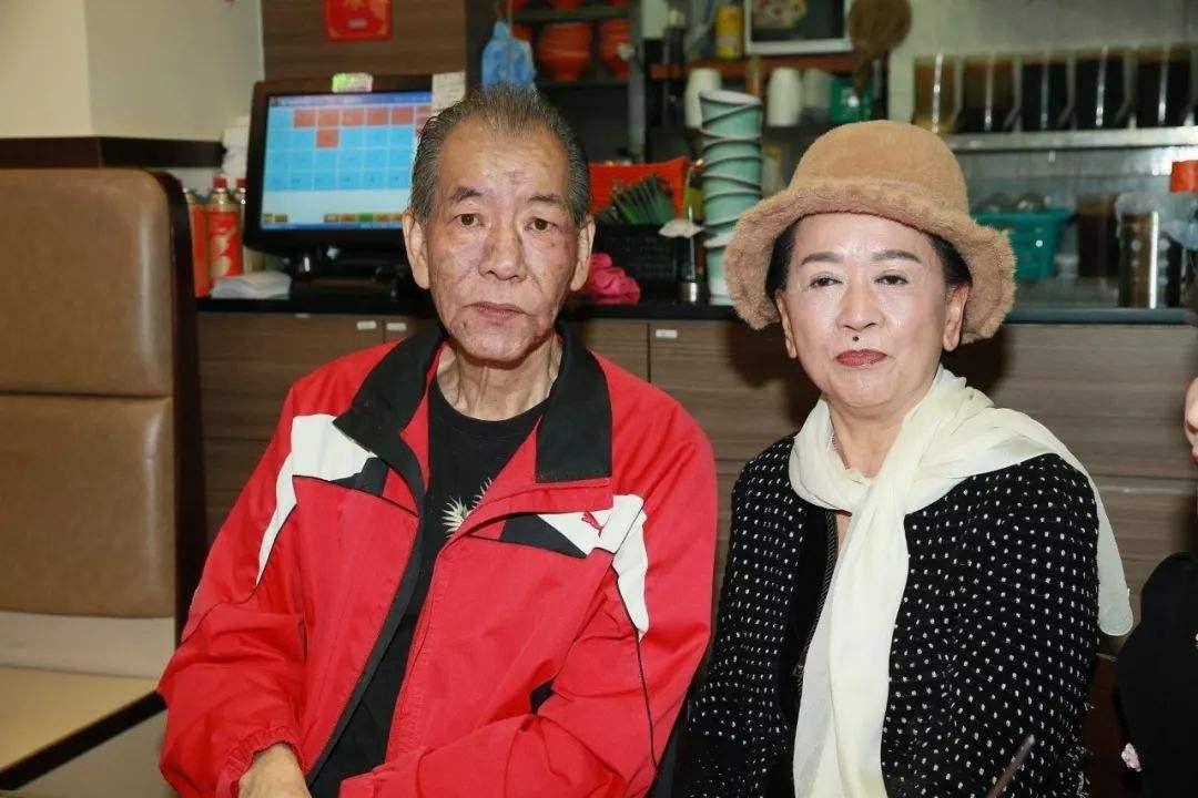 为了嫁入豪门,她忍痛穿了30年塑身衣,老公离世后4亿家产只得1元