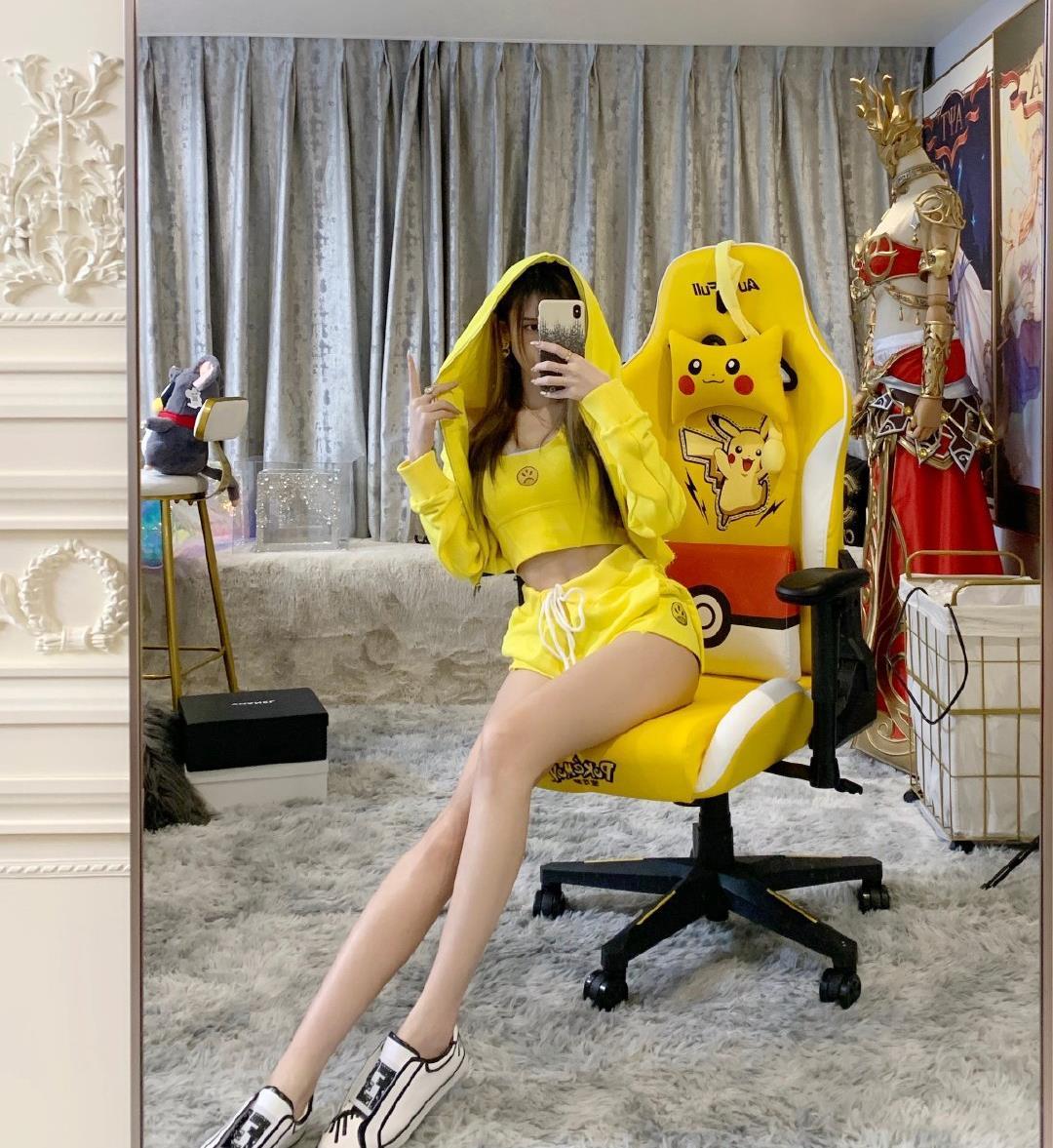 很黄很色的小游戏_腐团儿最受欢迎的几套成名之作,其一挂在主页狂揽百万粉丝-第6张图片-游戏摸鱼怪