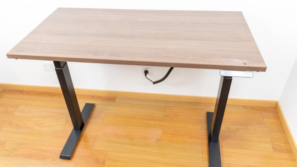 一站一坐,腰部舒服,效率更高!网易严选电动升降桌 体验评测