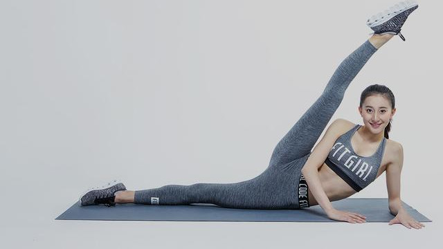 艺术体操女神张豆豆晒美照,可惜没有展示高难度一字马,没看够!