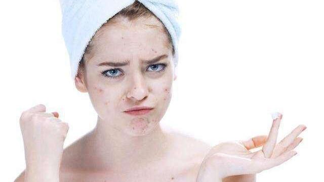 哪些错误的护肤方式会引起痘痘?加重痤疮炎症!