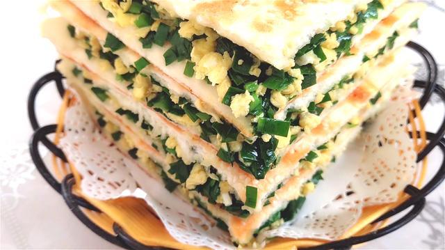 韭菜盒子这样做太好吃了,不破皮不出水,简单又营养,全家抢着吃