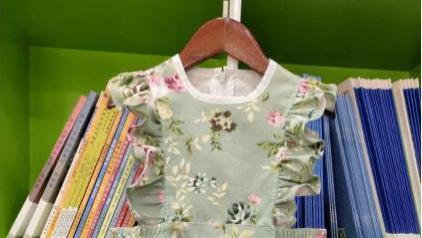 女童蝴蝶翼护胸式连衣裙