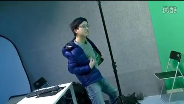洛克王国小蜂猴_舞姬、艳后同台表演,观众:这不是电竞比赛吗?
