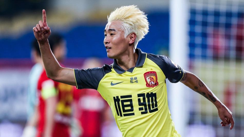 韦世豪的发型与中国足球的纪律性