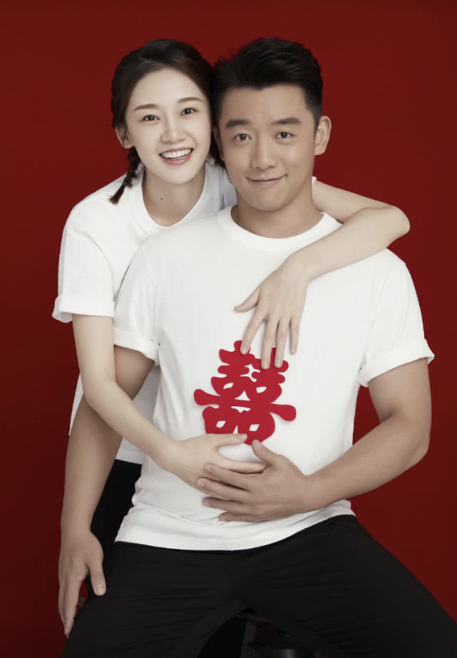 邓超秀英语向郑恺送结婚祝福,却被网友发现直接摘抄笑翻众人