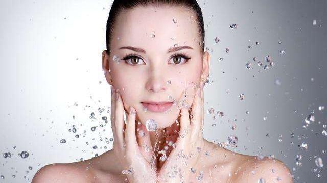 """合理肌断食让你的肌肤适当""""重启""""保持皮肤最佳的护肤状态"""